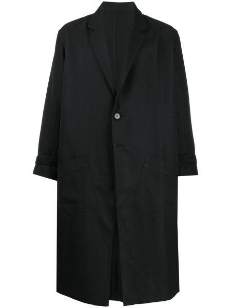 Czarny płaszcz z długimi rękawami Goodfight