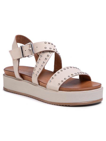 Beżowe sandały na lato Inuovo