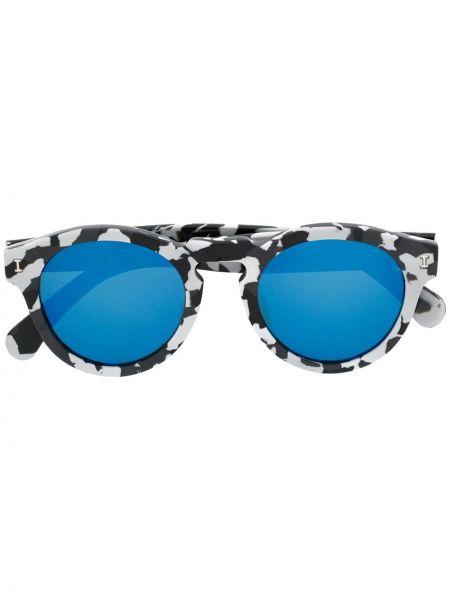 Czarne okulary z printem Illesteva