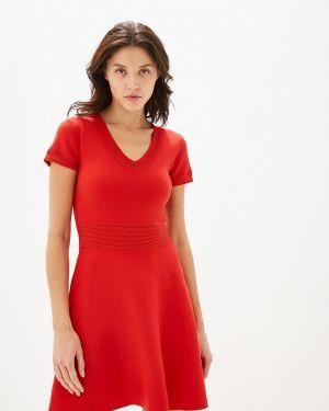 Платье прямое красный Naf Naf