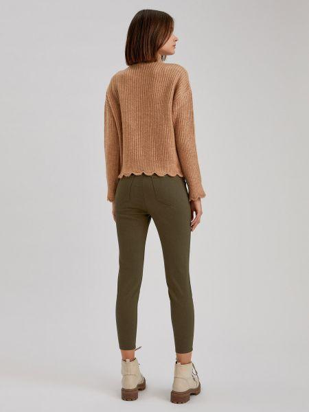 Зеленые джинсы с карманами на молнии Defacto