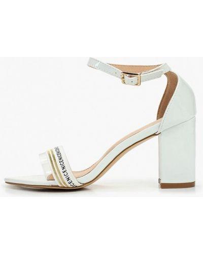 Босоножки на каблуке белые кожаные Sergio Todzi