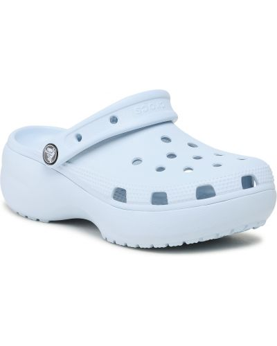 Niebieskie chodaki na koturnie Crocs