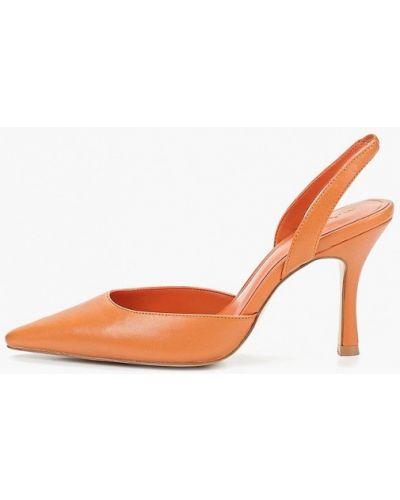 Туфли на каблуке кожаные с открытой стопой Mango
