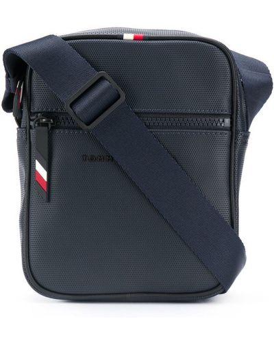 Синяя сумка мессенджер на молнии с нашивками с карманами Tommy Hilfiger