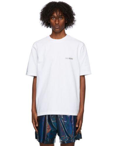 Белая рубашка с коротким рукавом с воротником с заплатками металлическая We11done