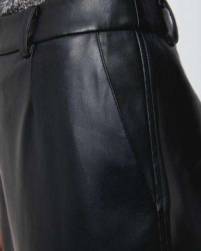Черные брюки из искусственной кожи с карманами Sela