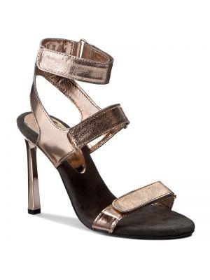 Sandały skórzany piasek Carinii