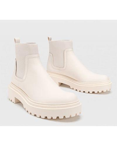 Ботинки челси - бежевые Stradivarius