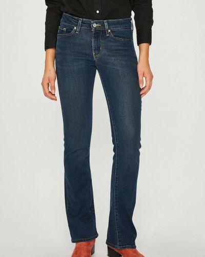 Расклешенные джинсы буткат с нашивками Levi's®