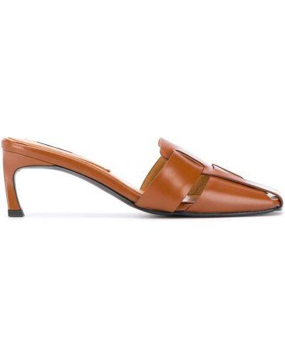 Кожаные коричневые мюли на каблуке на бретелях Reike Nen