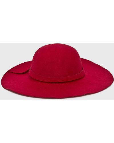 Красная шапка Answear