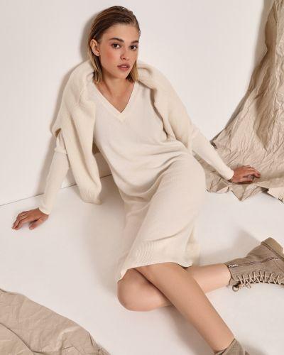 Трикотажное белое платье миди с длинными рукавами 12storeez