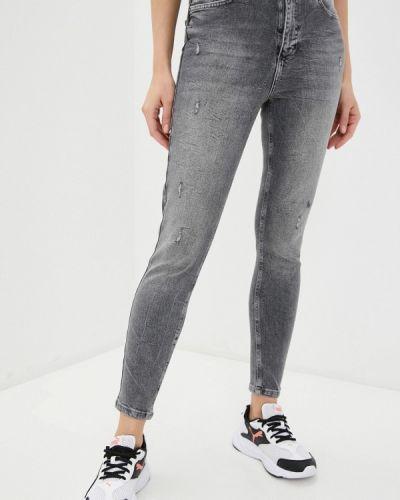 Серые джинсы-скинни узкого кроя Defacto