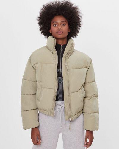 Яркая куртка Bershka