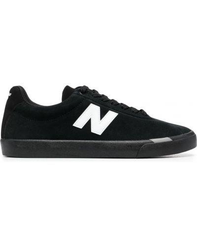 Czarne sneakersy zamszowe sznurowane New Balance