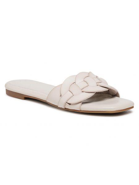Białe sandały casual Xti