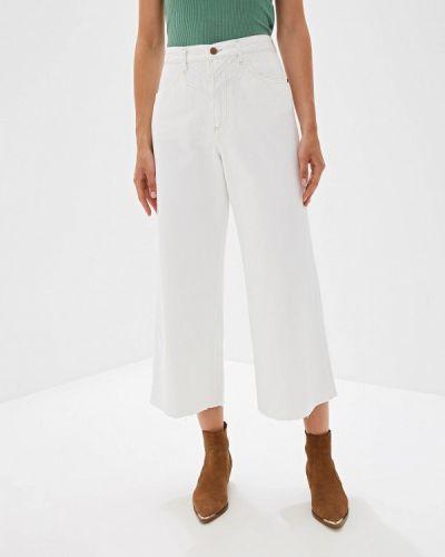 Широкие джинсы расклешенные белые Wrangler