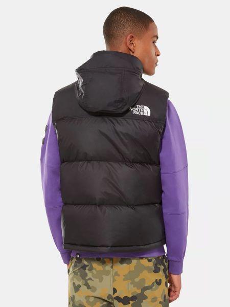 Черная пуховая жилетка с карманами The North Face