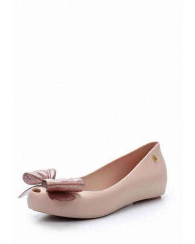 Розовые балетки с открытым носком Melissa