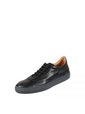 Czarne sneakersy skorzane Cinque