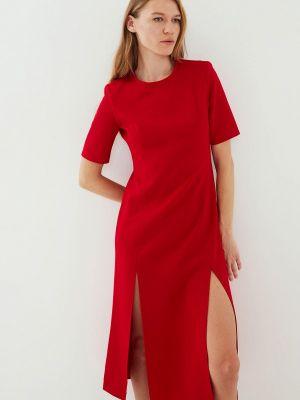 Красное платье а-силуэта Zarina