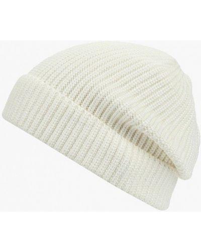 Белая шапка осенняя Befree