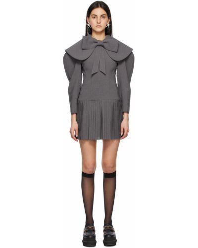 Sukienka mini z długimi rękawami z niskim stanem Shushu/tong