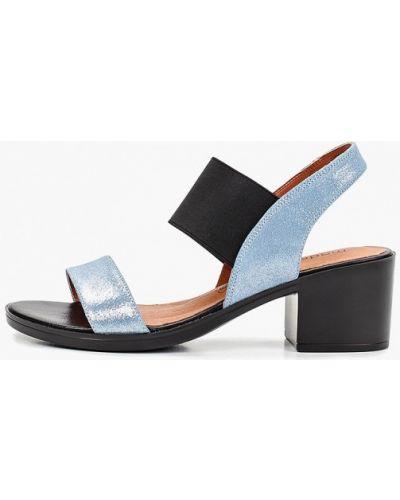 Босоножки на каблуке кожаные Madella