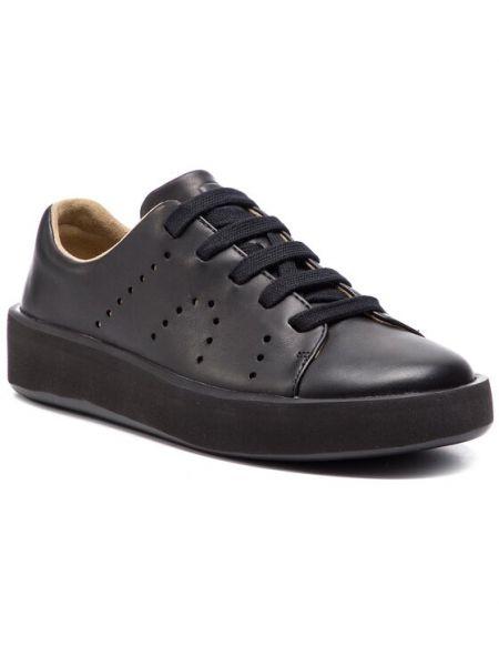 Czarne sneakersy Camper