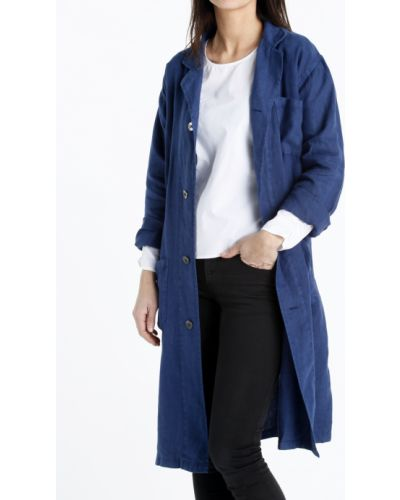 Niebieski płaszcz z długimi rękawami zapinane na guziki Mango