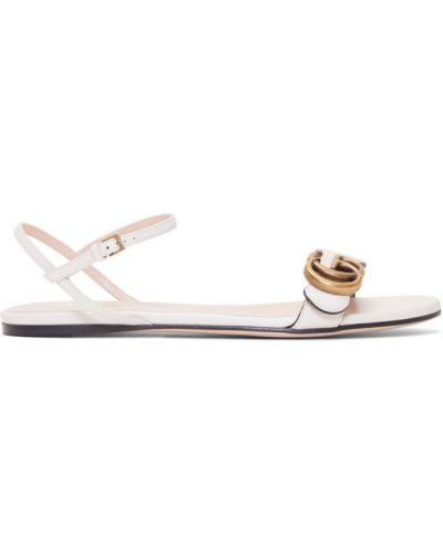 Skórzany biały sandały z klamrą okrągły Gucci