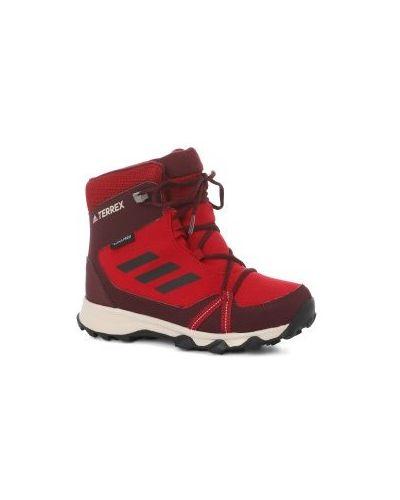 Красные кроссовки Adidas