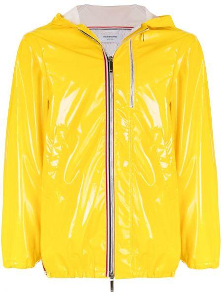 Желтая короткая куртка с капюшоном свободного кроя Thom Browne