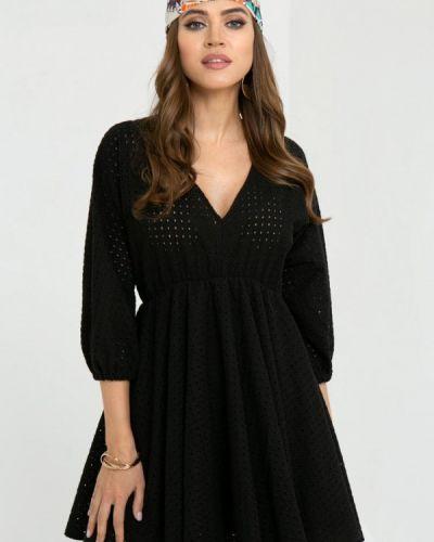 Прямое черное платье А-силуэта Gold Chic Chili