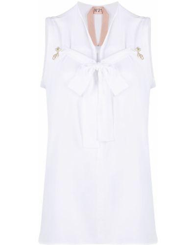 Белая блузка с брошью без рукавов с вырезом N°21