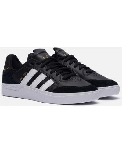 Черные скейтбордические кроссовки Adidas Skateboarding