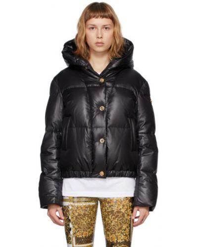 Пуховая черная длинная куртка с капюшоном Versace