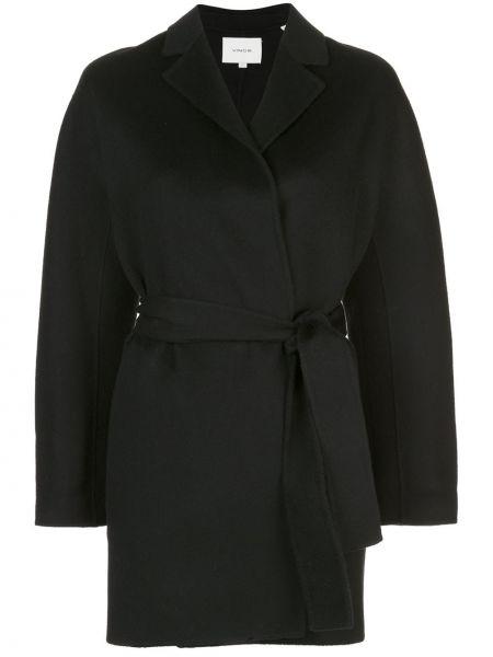 Черная куртка Vince