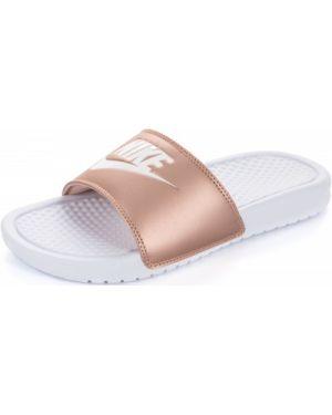 Шлепанцы пляжные спортивные белые Nike