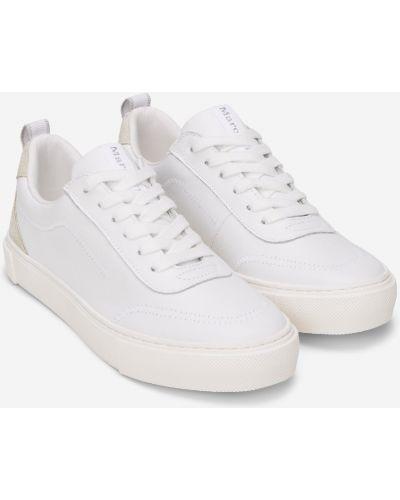 Мягкие повседневные белые кроссовки на шнурках Marc O`polo
