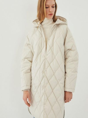 Бежевая куртка утепленная Zarina