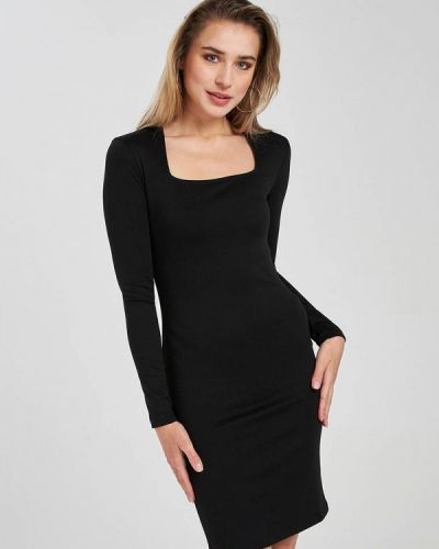 Черное платье-футляр Terranova
