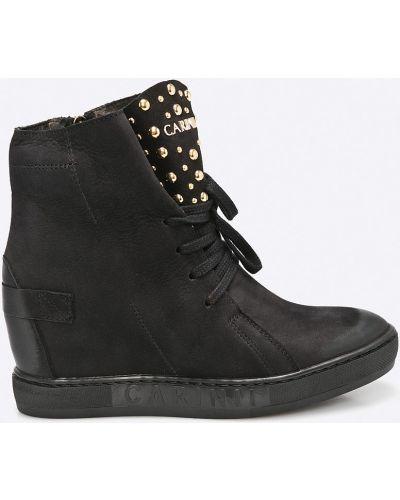 Черные сапоги на шнуровке Carinii