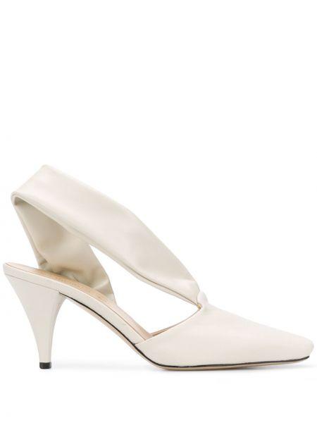 Кожаные туфли на каблуке с открытой пяткой квадратные на каблуке Vejas