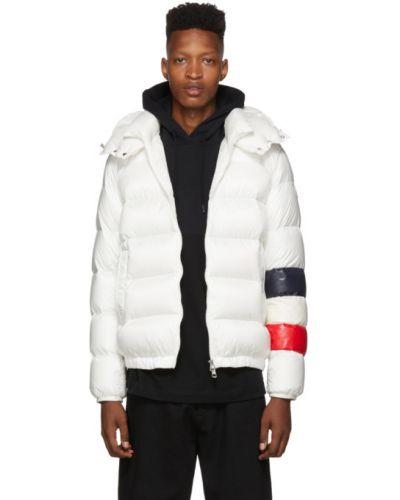 Puchaty biały pikowana kurtka z mankietami z kieszeniami Moncler