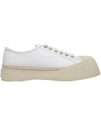 Białe sneakersy Marni