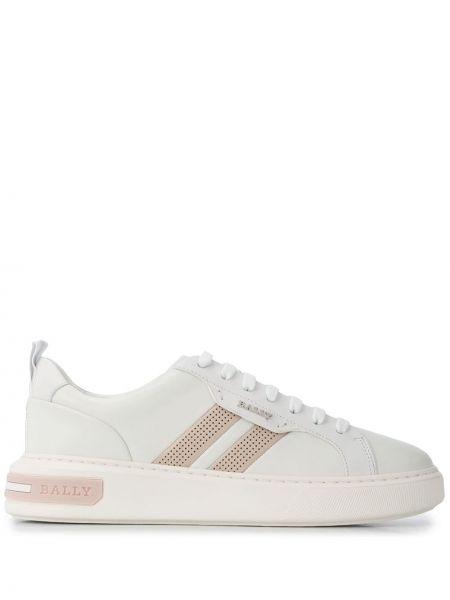 Białe sneakersy skorzane sznurowane Bally