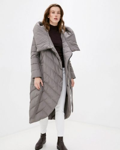 Коричневая зимняя куртка снежная королева