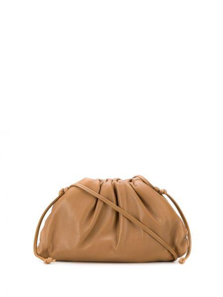 Коричневый кожаный сумка через плечо с перьями Bottega Veneta